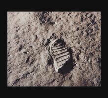 Moon footprint. by 2monthsoff
