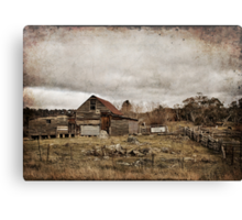 Old Farmhouse Canvas Print