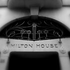 Melbourne Milton by Deanna Roberts Think in Pictures