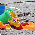 beach bucket & toys by TowerOne