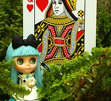 Alice And The Queen Of Hearts by smile4me