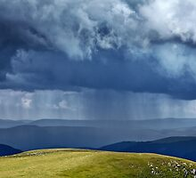 Heavy rain in mountains by naturalis