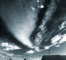 splendid sky over enmore  by Juilee  Pryor