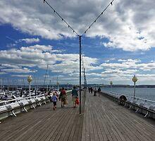 Torquay Pier by atomov