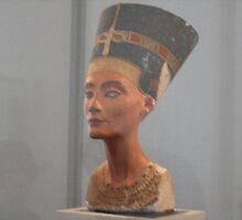 bust of Nefertiti, Altes Museum, Berlin by chord0