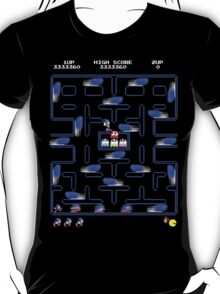 Sonic in pacman world T-Shirt