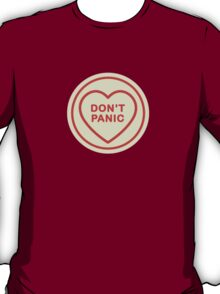 Geeky Love Hearts - Don't Panic T-Shirt