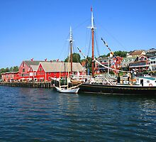 Lunenburg Waterfront by HALIFAXPHOTO