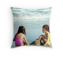 Friends Forever © Throw Pillow