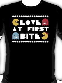 """Love Bites"" Ms. PacMan & PacMan Couple Love Romance Cute Kawaii Chibi T-Shirt"