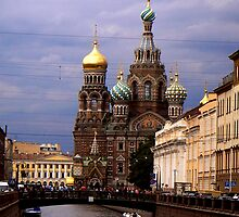 Church of Spilt Blood, St Petersburg by Les Magee