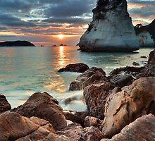 Te Hoho Amber Sunrise by Ken Wright