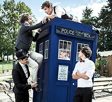 One Direction & The Tardis by lockwie
