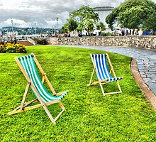 Deckchairs by Catherine Hamilton-Veal  ©