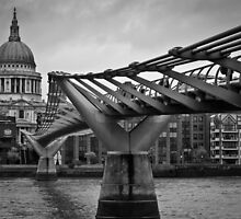 Millennium Bridge 01 by ArnaldoTarsetti
