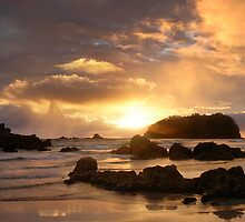 Mount Maunganui Sunrise, The Peak 1812, New Zealand by Ken Wright