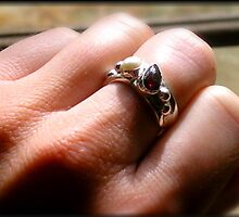 Garnet Pearl RIng Side II by HclarkDesigns