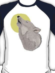 Howling to the moon T-Shirt