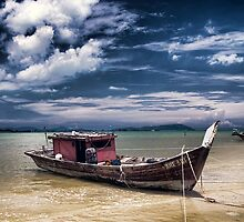 Fishing boat by Paul O'Connell