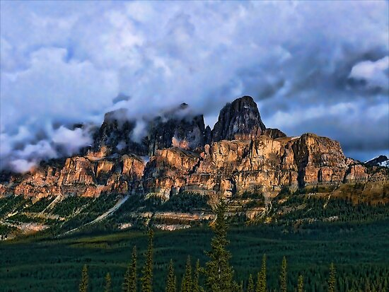 Castle Mountain by jwinman