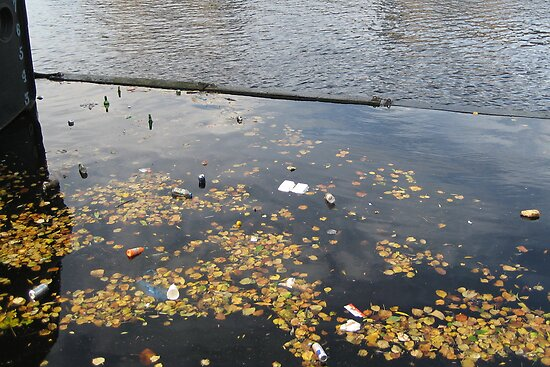 Dirty Leith: Autumn on the Water by Yonmei