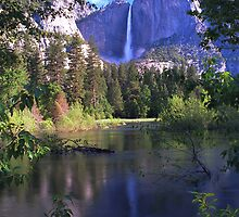 Yosemite Falls by steveberlin