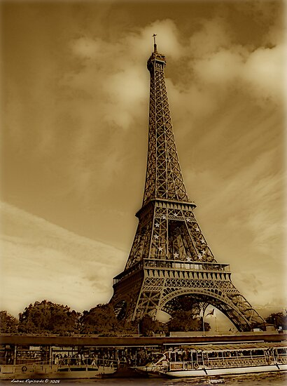 Eiffel tower  by Andrea Rapisarda