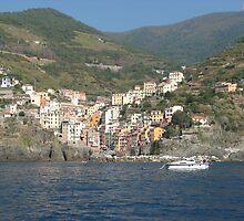 Riomaggiore, Cinque Terre, Italy by grubb1980