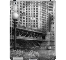 Chicago, IL - DuSable Bridge built in 1920  - BW iPad Case/Skin