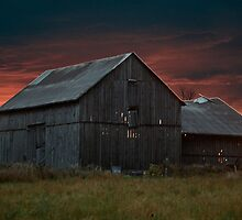 Spooky Old Barn by Allen Lucas