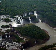 Aerial view of Iguaçu falls by Andrea Rapisarda