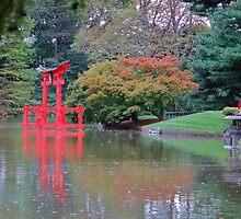 Temple in Japanies New York Botanical garden  by loiteke