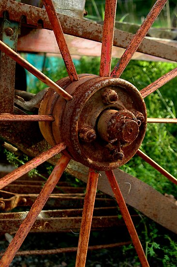 Rusty Wheel Hub by Madeleine Forsberg
