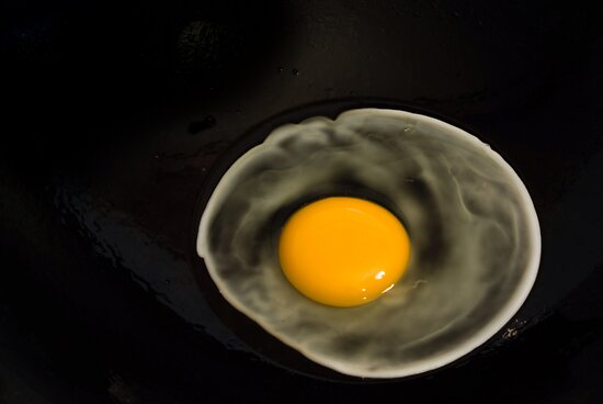 Half-fried egg by richardseah