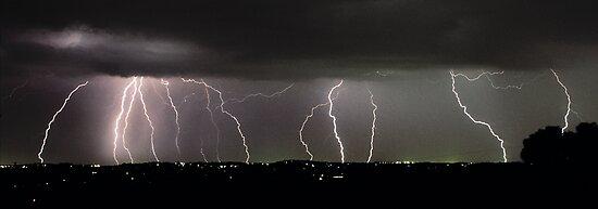Severe Thunderstorm I by Ern Mainka