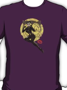 Catwoman War Pin Up Bombshell T-Shirt