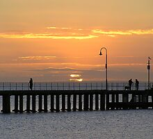 Sunset at Dromana Pier by peter riley