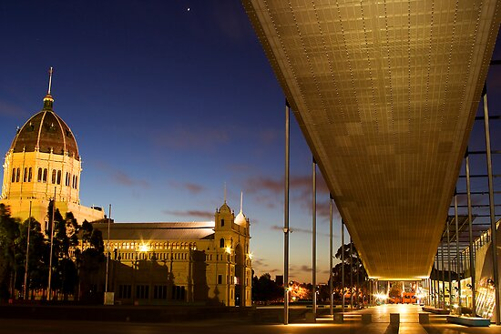 Exhibition Building - Melbourne Museum by Andrew Brown
