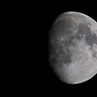4 days to full moon @ 900mm  by Antoine Khater