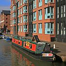 Narrowboat, Gloucester Docks by RedHillDigital