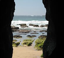 Caves Beach by Cheryl Parkes