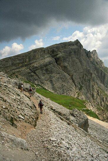 Approaching Nuvolau by Lenka