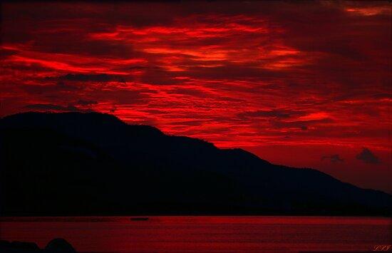 Lava Sky by Kuzeytac