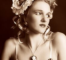 I Wonder (Vintage Beauty) by melmoth