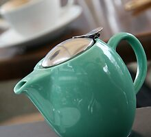 The Tea Pot by Petitmiam