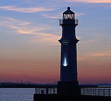 Newhaven Lighthouse, Edinburgh by Stuart Robertson Reynolds