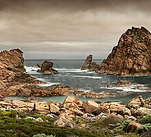 Sugarloaf Rock - Yallingup by LukeAustin