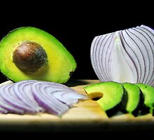 Onions and Avocado by carlosporto