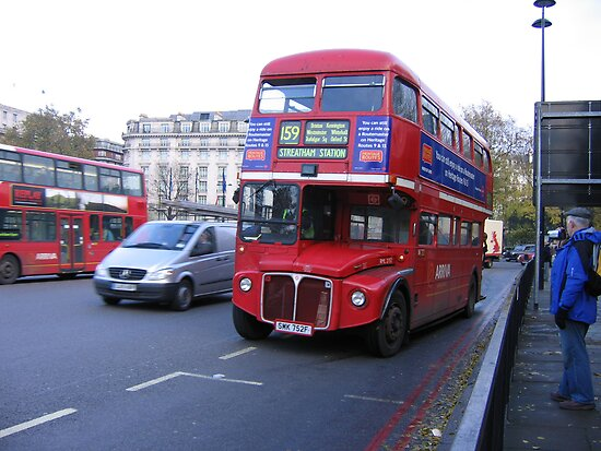 Routemaster bus by motorista