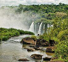 Iguaçu falls by Andrea Rapisarda